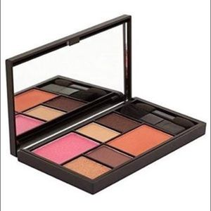 🌺 2/$25🌺 Sleek MakeUp Eye & Cheek Palette